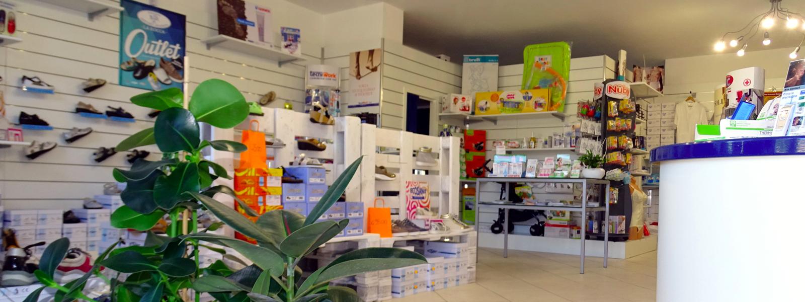 Sanitaria e Ortopedia La Rocca Centro Salute vetrinando arezzo