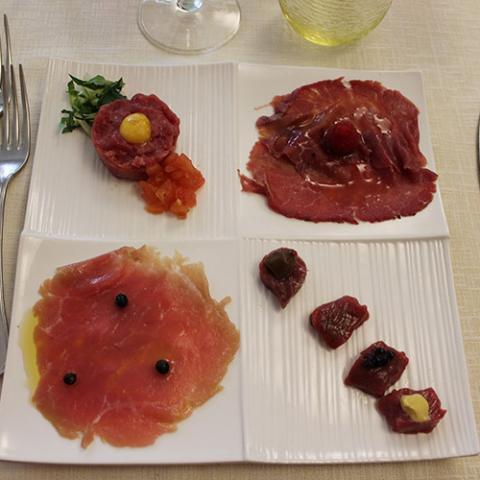 Antipasto il crudo ristorante la Tagliatella Arezzo