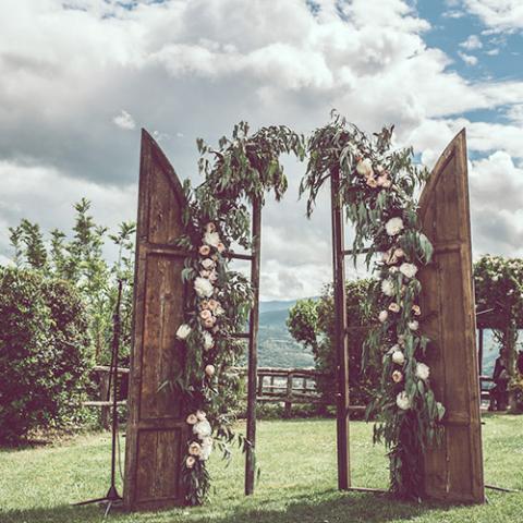 Wedding in Arezzo Hills: allestimento cerimonia Flowers Living Vetrinando Arezzo