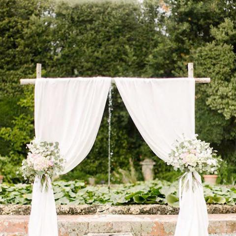 Elegant wedding: allestimento cerimonia Flowers Living Vetrinando Arezzo