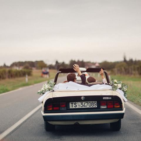 Late Autumn Wedding: macchina e sposi Flowers Living Vetrinando Arezzo