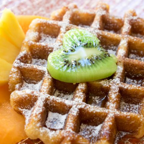 Waffle con Sciroppo D' Acero e Frutta Eda's Bakery Vetrinando Arezzo