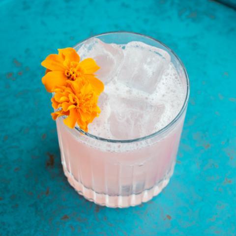 Gin e Liquore alle Rose Emilio Cafe Vetrinando Arezzo