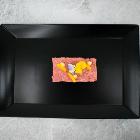 Battuta di Carne con Uovo di Quaglia emilio in vineria vetrinando arezzo