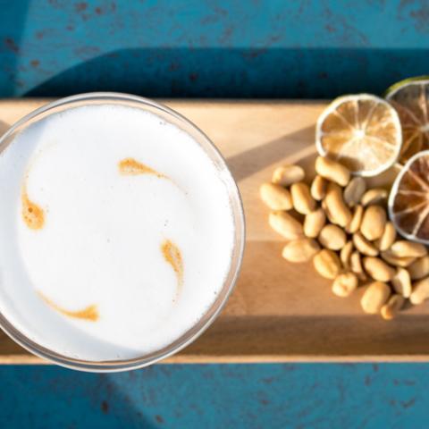 Pisco sour al burro di arachidi Emilio Cafe Vetrinando Arezzo