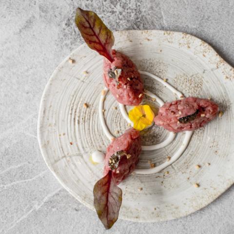 Battuta di Carne con Burrata e Tartufo emilio in vineria vetrinando arezzo