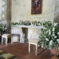 Shabby Chic Wedding: allestimento altare Flowers Living Vetrinando Arezzo