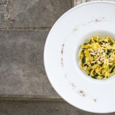 Tagliolini al Pesto Scomposto Convivio Ristotigelleria Toscana Vetrinando Arezzo