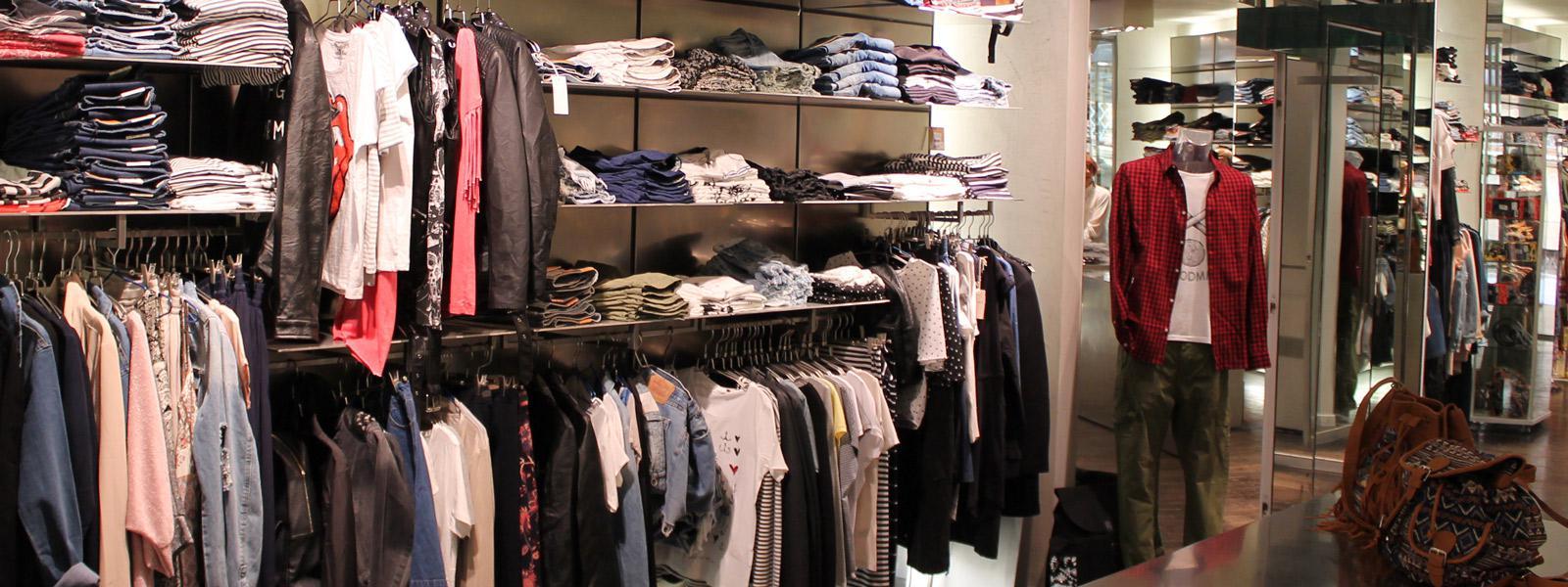 Ultimo shop negozio di abbigliamento e jeans Arezzo
